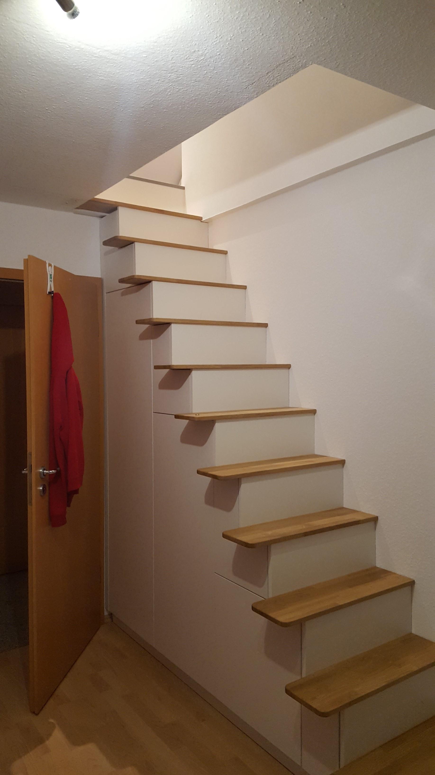 Treppe weiß