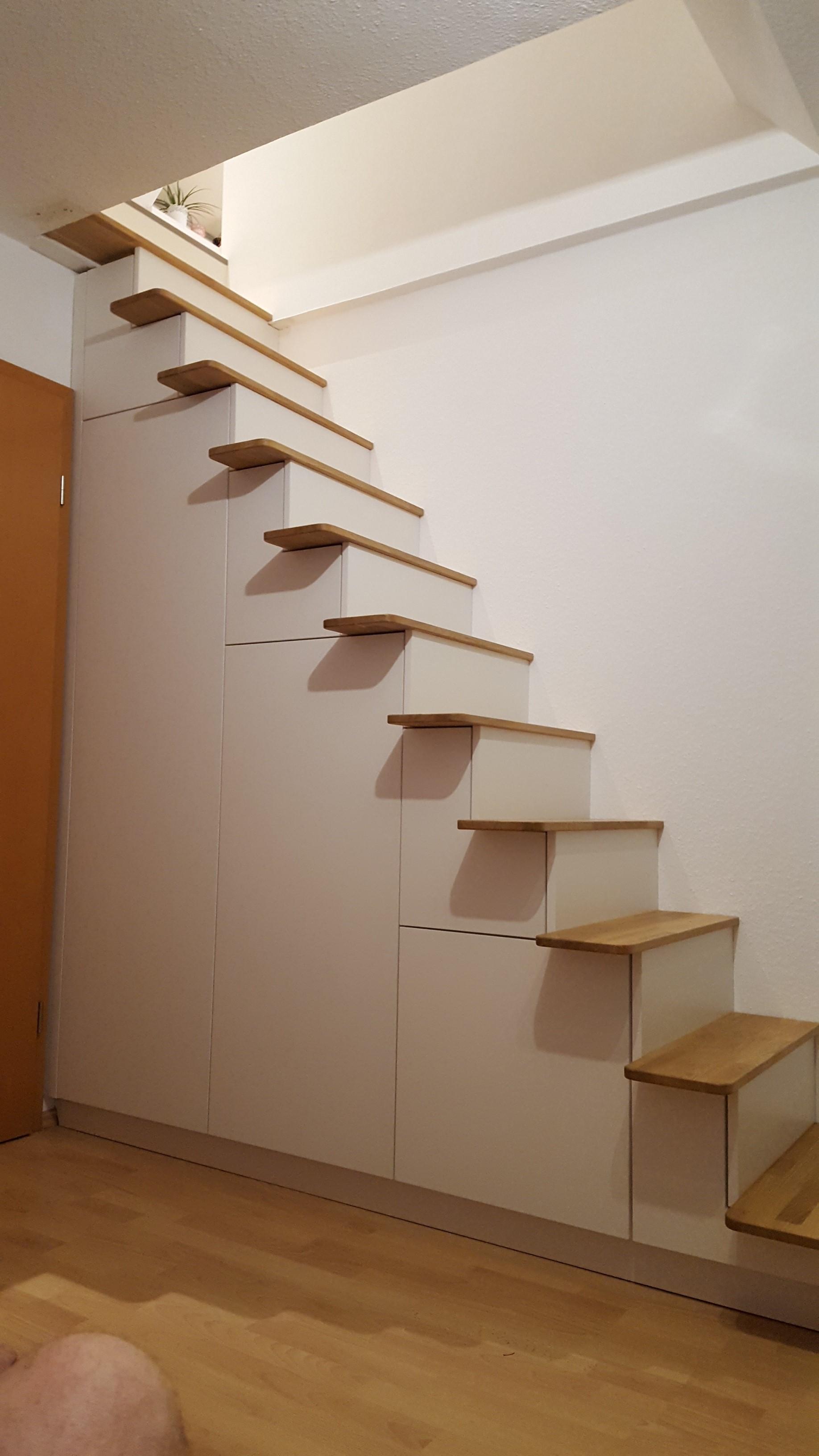 Treppe weiß 6.1b