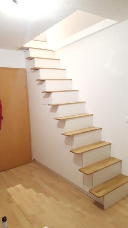 Treppe weiß 6.1a